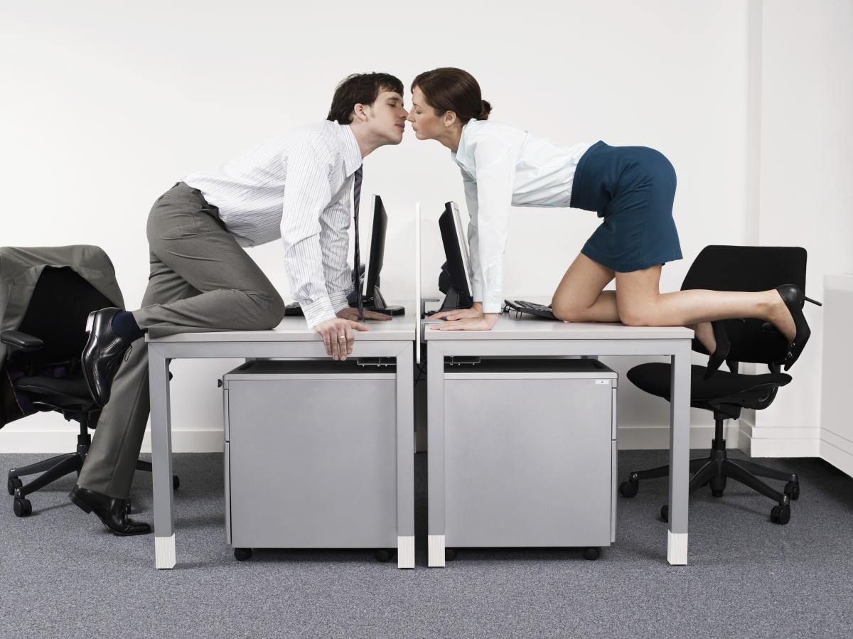 Amour au bureau : l'étude qui dit tout !